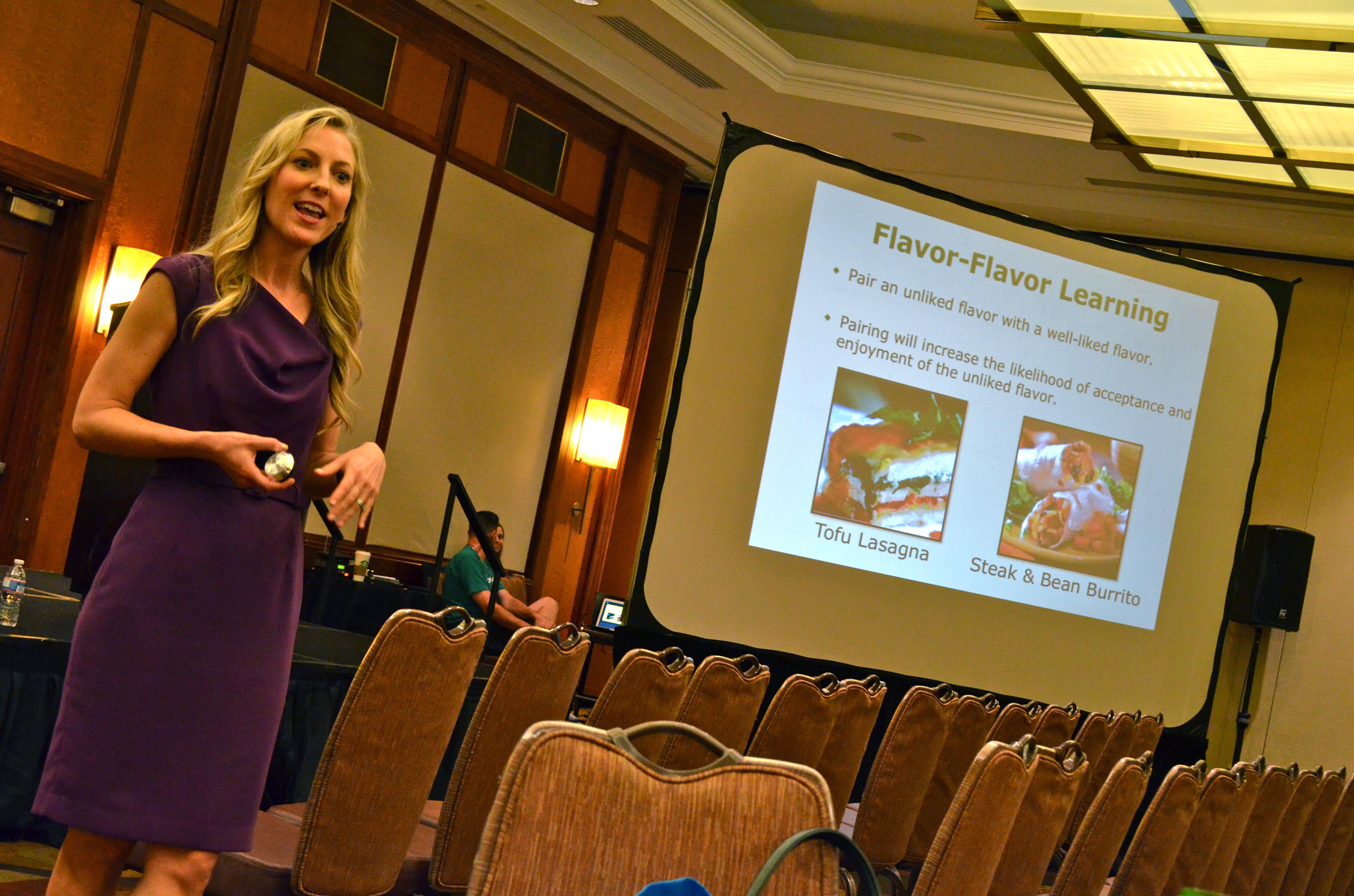 Dawn Jackson Blatner, RD, CSSD, LDN FitBloggin'12 Florida Grapefruit